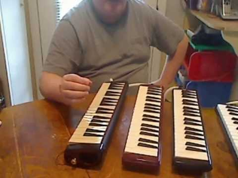Comparison and review of three melodicas.