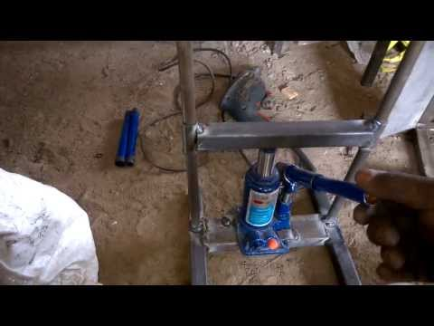 Hydraulic press  mechanical engineering mini project topics
