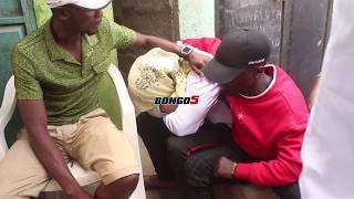 Wasanii wa The Mafik hoi wakati mwili wa Mbalamwezi ukiingia nyumbani
