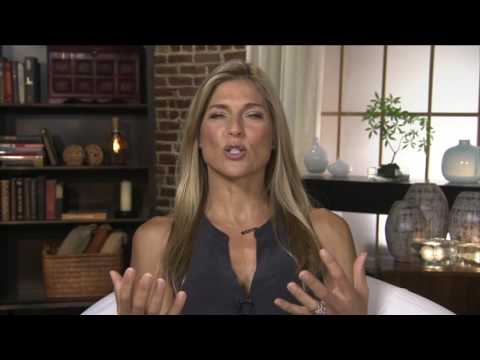 Gabby Reece Explains How She Pushed Past The Pain WITHOUT Opioids