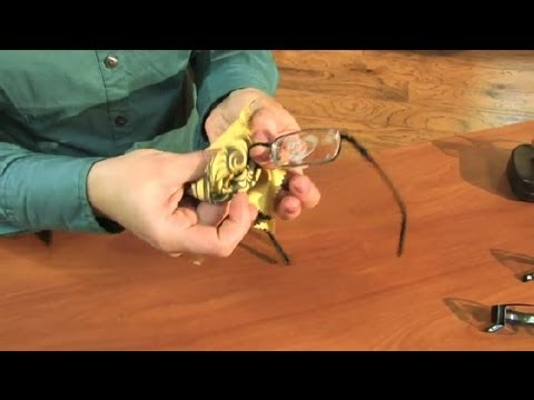 A Good Way to Clean Eyeglasses : Eyeglasses Basics