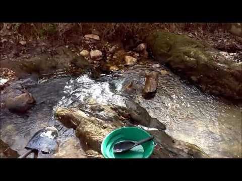 Georgia Gold Prospecting | A&M Mining (Finding gold in creeks with a pan and shovel) April 2017