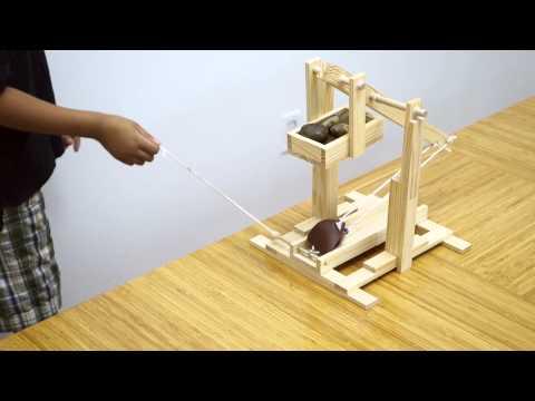 Trebuchet Medieval Siege Machine Model (silent video)