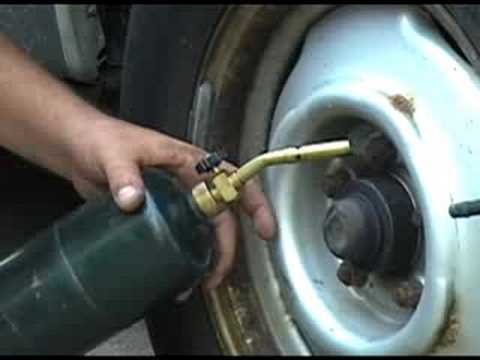 DIY - Rusted Nuts and Bolts Come Loose Easily