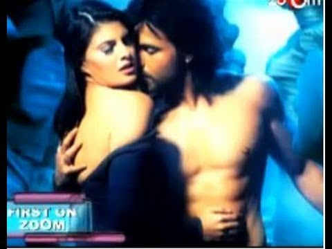First pictures of Bollywood Movies  Murder 2 & Thank You