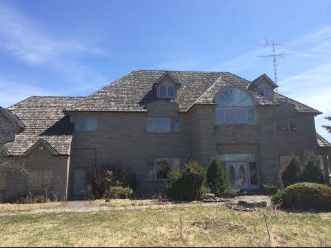 Exploring an Abandoned Dream Mansion - Ontario Canada