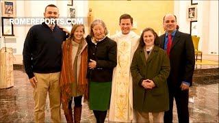Vị tân linh mục giúp cả gia đình cải đạo theo Công giáo