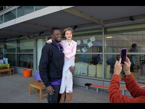 Lakers visit UCLA Mattel Children's Hospital | UCLA Health