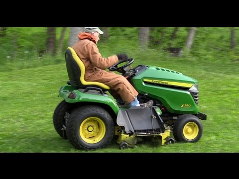 2015 X590 John Deere Lawn Tractor CUTTING and Mowing GRASS