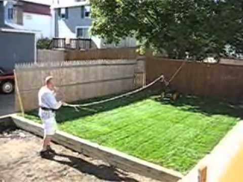 HOW A PORTAGEE CUTS GRASS.wmv