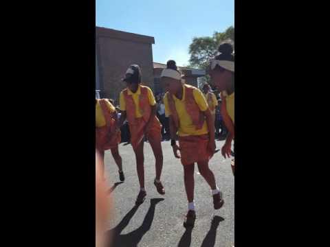Scottsville VGK-bazaar riel dancers van tiervlei