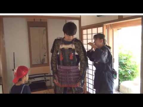 Amazing Japan #009 How to wear SAMURAI Armor - Yoroi - 甲冑の着方