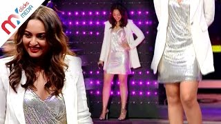 Sonakshi Sinha Shows Off Her Sexy Legs & Deep Cleavage In A Short Dress || Celeb Zone