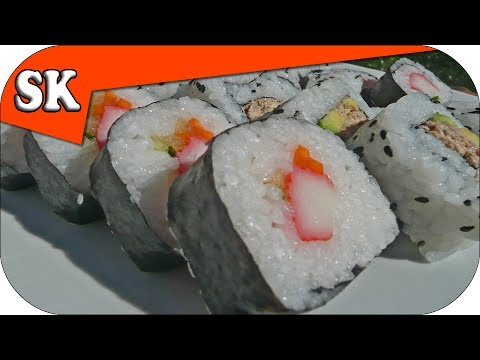 HOW TO MAKE ROLLED SUSHI - Sushi Recipe - 巻き寿司 and 裏巻