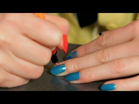 How to Do a Design with Lines   Nail Art Designs