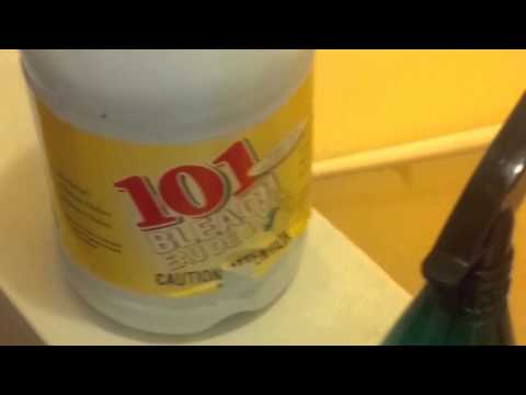 How to Clean bathroom mould and tile grout in 2 minutes with 101 bleach