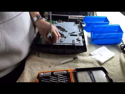 Reapplying new thermal paste for PS3 CPUs and cleaning dust