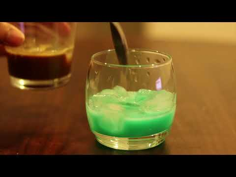 HOW TO MAKE MOCHA MINT COFFEE - LAYERED FANCY PARTY DRINK