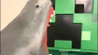 SHARK PUPPET PLAYS MINECRAFT!!!!!