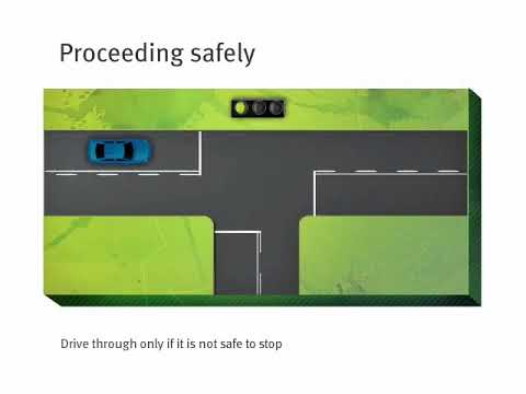 Queensland Road Rules — yellow traffic lights