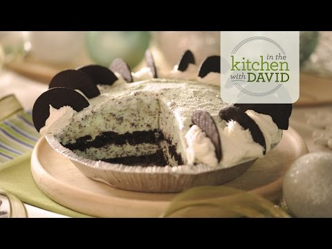 How to Make a Mint Chocolate Chip Ice Cream Pie