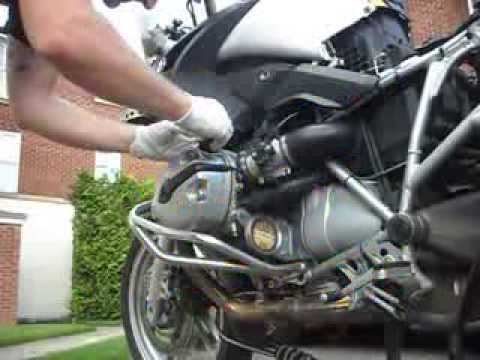 Oil and filter change for BMW R1200GS