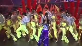Kareena kapoor at IIFA awards 2008   YouTube