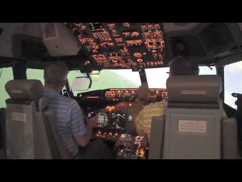 Wounded Warriors fly American Airlines Flight Simulators