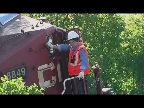 Xxx Mp4 Officials Investigate Derailment Of CP Rail Train In Toronto 3gp Sex