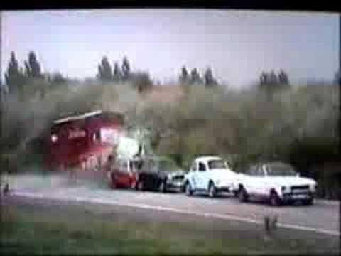 Massive truck crash !