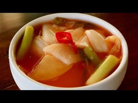 Vegetable and Fruit Water Kimchi (Nabak-kimchi: 나박김치)