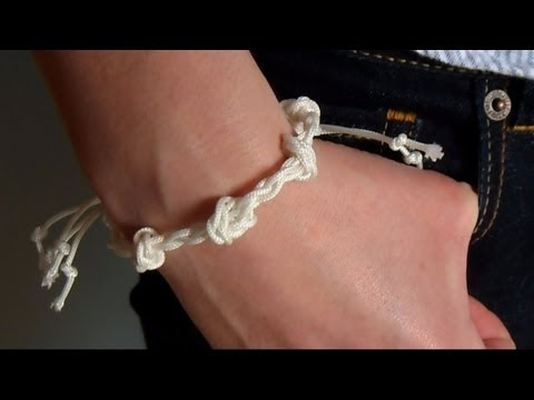 DIY Knot and Braid Rope Bracelet | eclecticdesigns