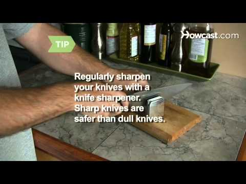 How to Learn to Effectively Use a Kitchen Knife