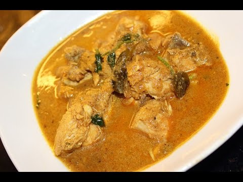 Village Style Traditional and Authentic Chicken Curry / Varutharacha Kozhi Curry