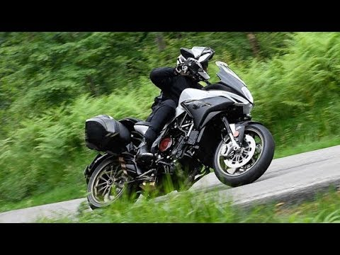 2019 MV Agusta Turismo Veloce 800 Lusso SCS | First Ride Review