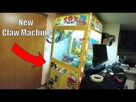 MY NEW CLAW MACHINE!!!!