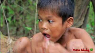 Primitive Technology - Eating delicious - Cooking pork belly on a rock #30
