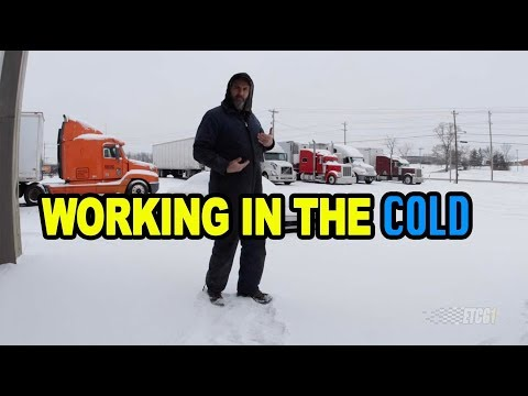 Staying Warm While You Work in Cold Weather