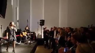 Natalie Imbruglia - Wrong Impression acoustic live