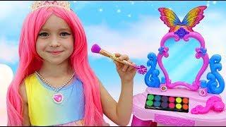 Download София как Принцесса Наряжается и делает Макияж   Сборник Веселых Видео с Игрушками Video