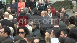 A1 Report - Protesta Te Kryeministria, Të Rinjtë Dëbojnë Berishën Bashën
