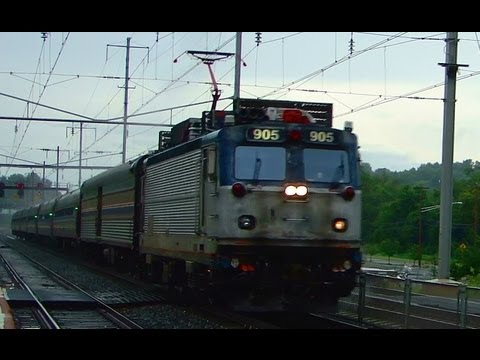 Amtrak Trains in the Rain @ Halethorpe Station