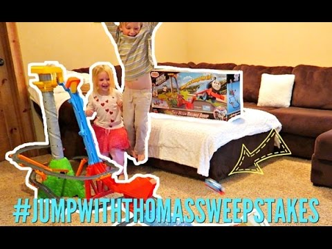 🚂 TrackMaster Thomas & Friends Sky-High Bridge Jump 🚂 | Demo & #JumpwithThomasSweepstakes