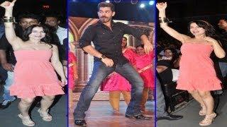 Sexy Ameesha Patel & Neil Nitin Mukesh Dance On Beats @ Shiamak Davar's Summer Funk Show