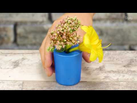 Make Your Own Balloon Vase | Crafty
