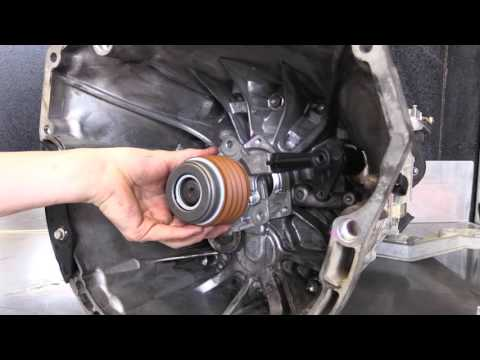 CLUTCH TECH: Holden Commodore Alloytec V6 Concentric Slave Cylinder Installation