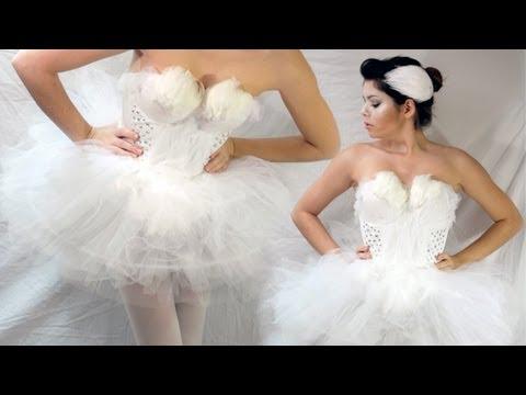 DIY WHITE SWAN HALLOWEEN COSTUME