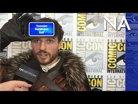 Game of Thrones Cosplayers vs GoT Heads Up