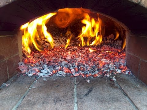 How to Properly Heat the Hearth Cooking Surface of your Outdoor Wood Fired Oven