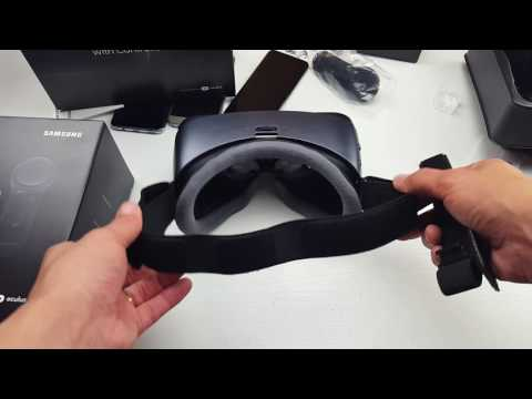 2017 Gear VR: How to Put the Head Straps On.